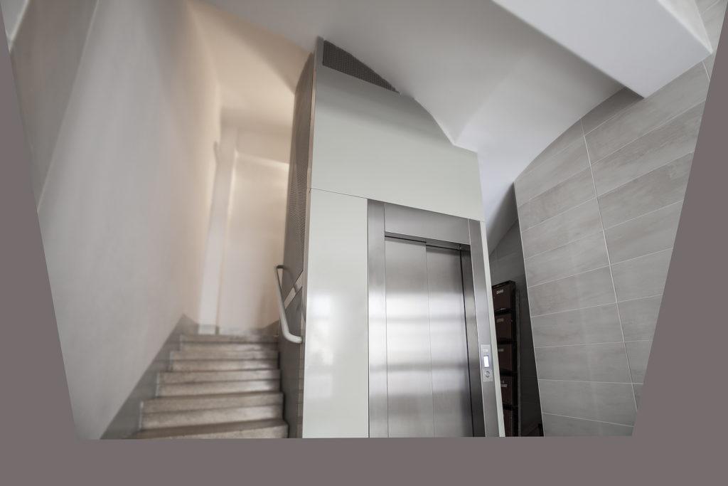 Empresa de instalación de ascensores Valencia profesional