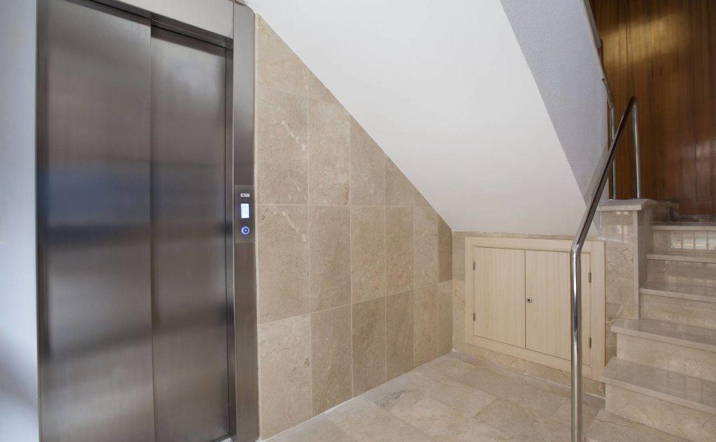 Servicio de instalación de ascensores Valencia profesional