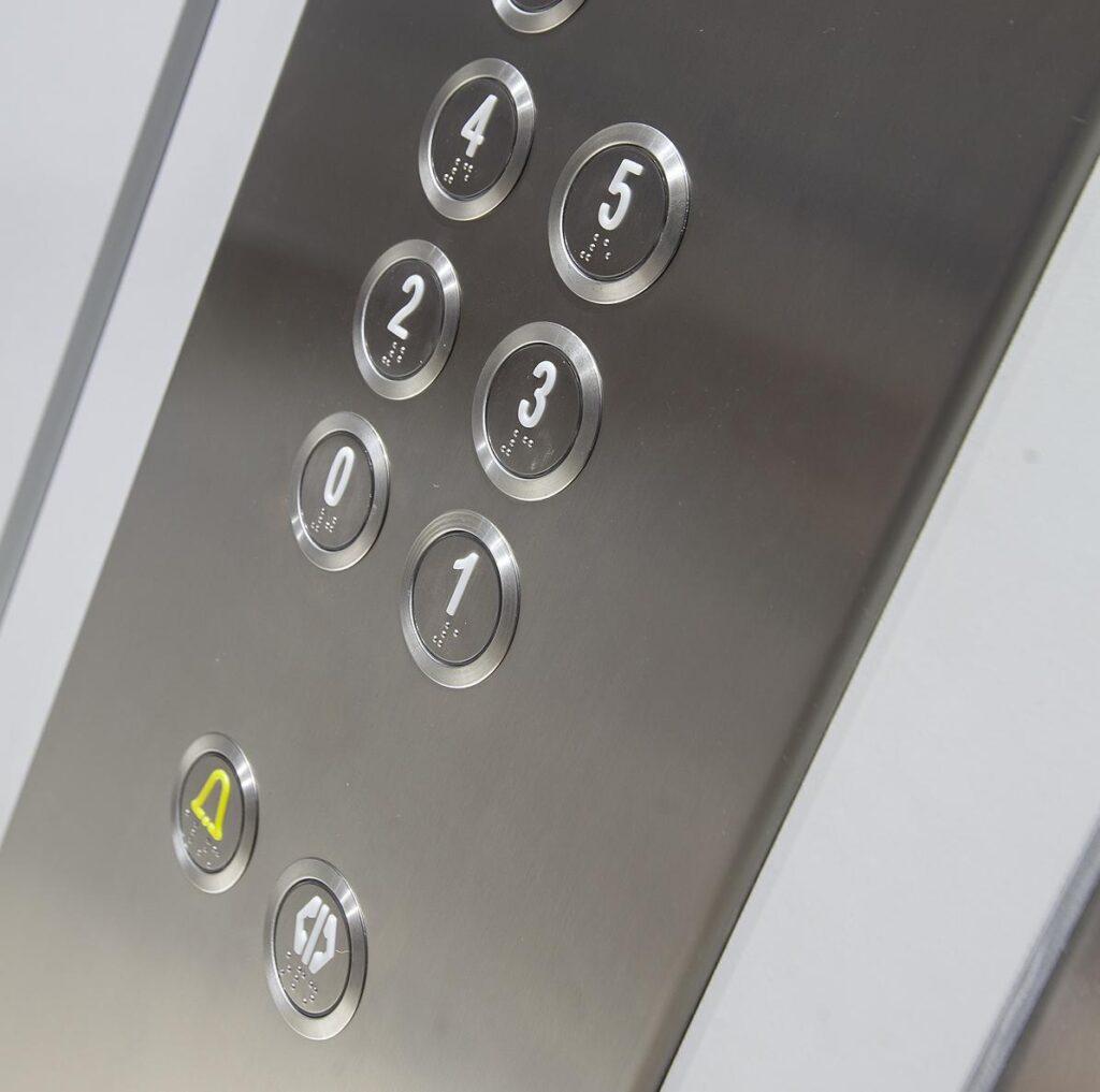 Servicios para ascensores unifamiliares Valencia de calidad