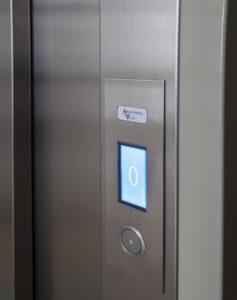 Servicios de instalación de ascensores